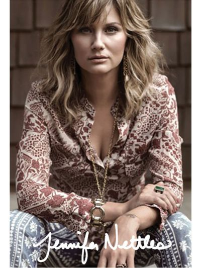 Jennifer Nettles - Porch Photo Digital Poster